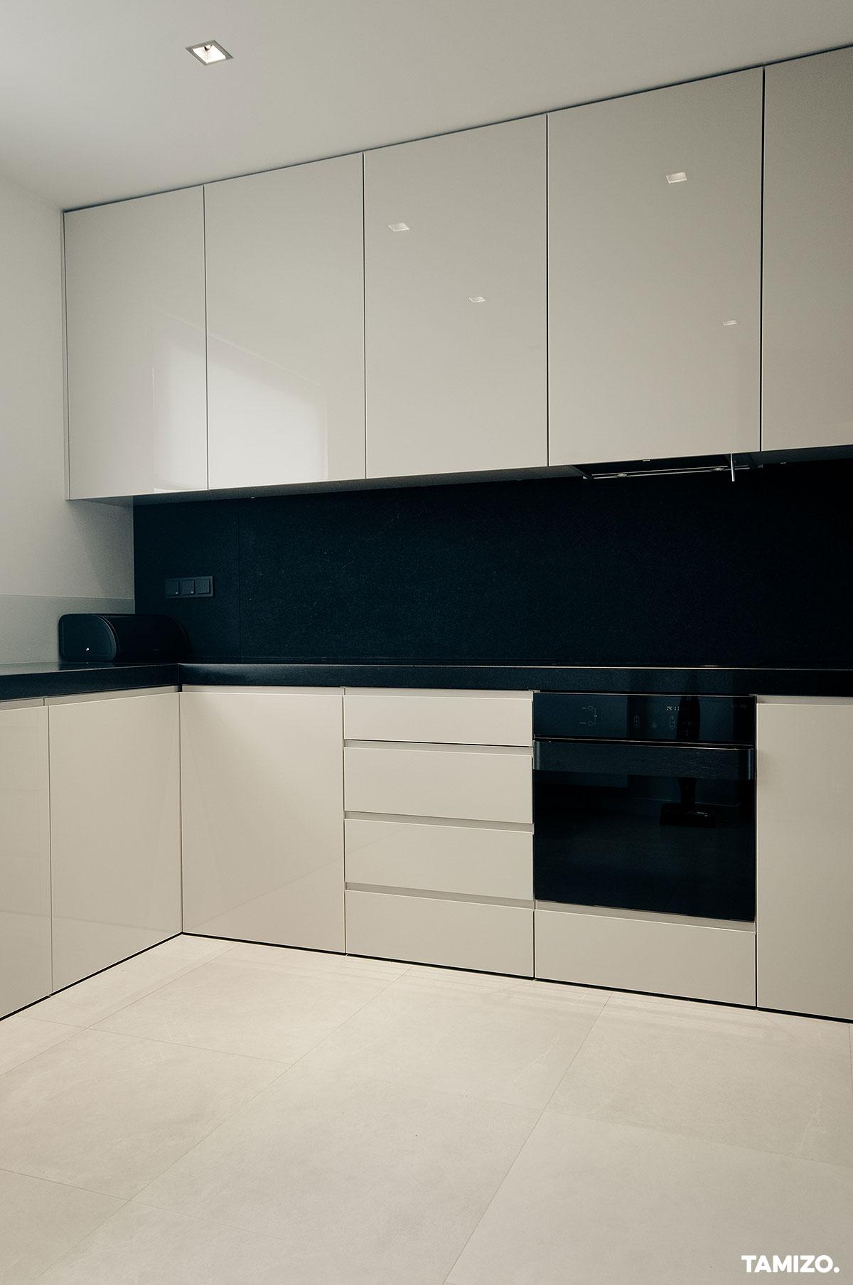 I045_tamizo_architekci_projekt-wnetrz-mieszkanie-lodz-nowoczesne-apartament-02